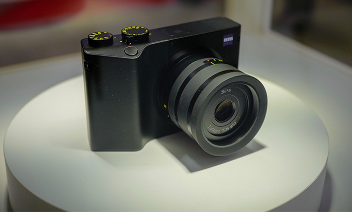 Zeiss ZX1 Full Specifications 2