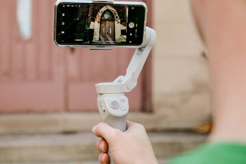 Best Gimbals for iPhone 12, 12 Pro, 12 Pro Max