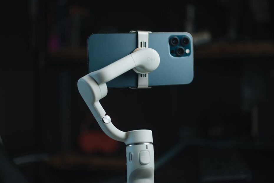Best Gimbal for iPhone 13,13 Pro, and 13 Pro Max
